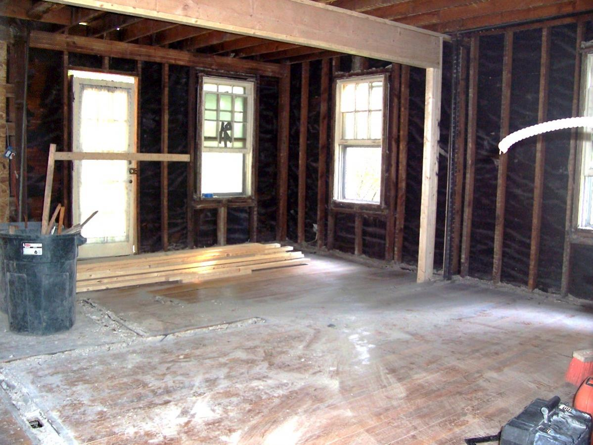 Removing studs from a load bearing wall framing for Can a load bearing wall be removed