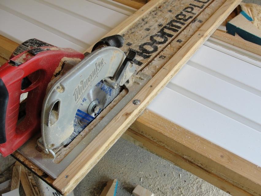Aluminum Siding: Cutting Aluminum Siding