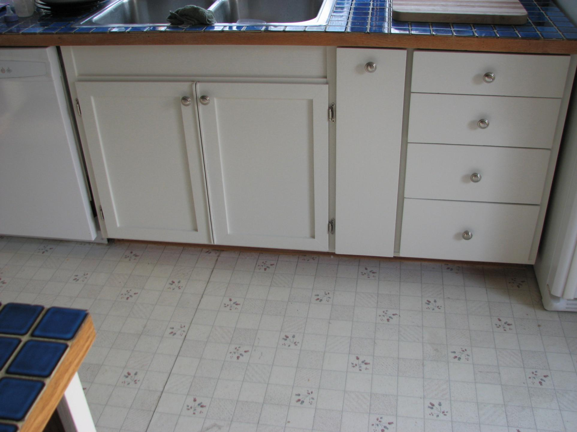 painting kitchen cabinets with airless sprayer kitchen