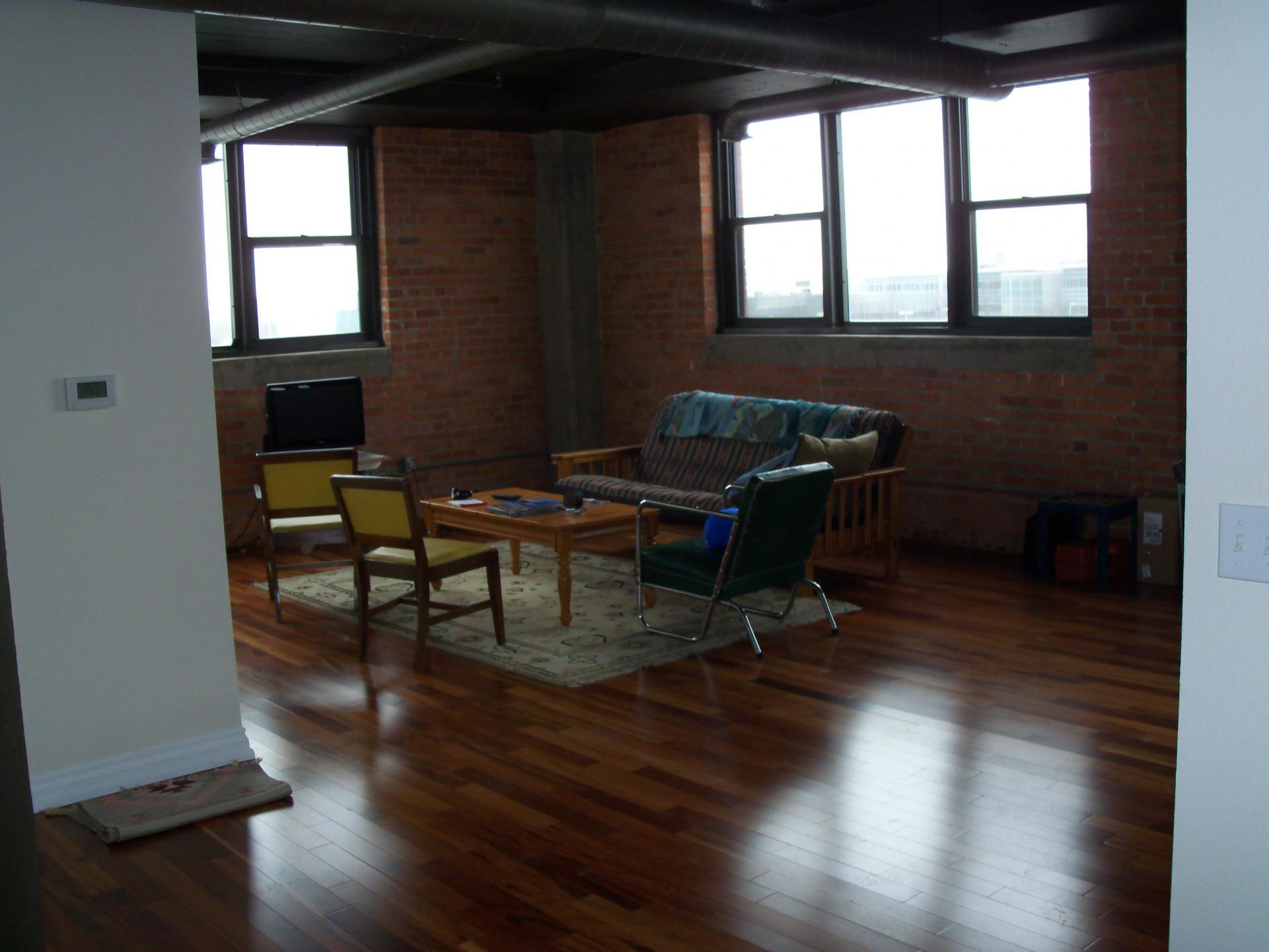 the brown floors semi lauzon dark satin choosing brazilian sheen room dining right red designer flooring oak for hardwood koa gloss matte floor cigarillo