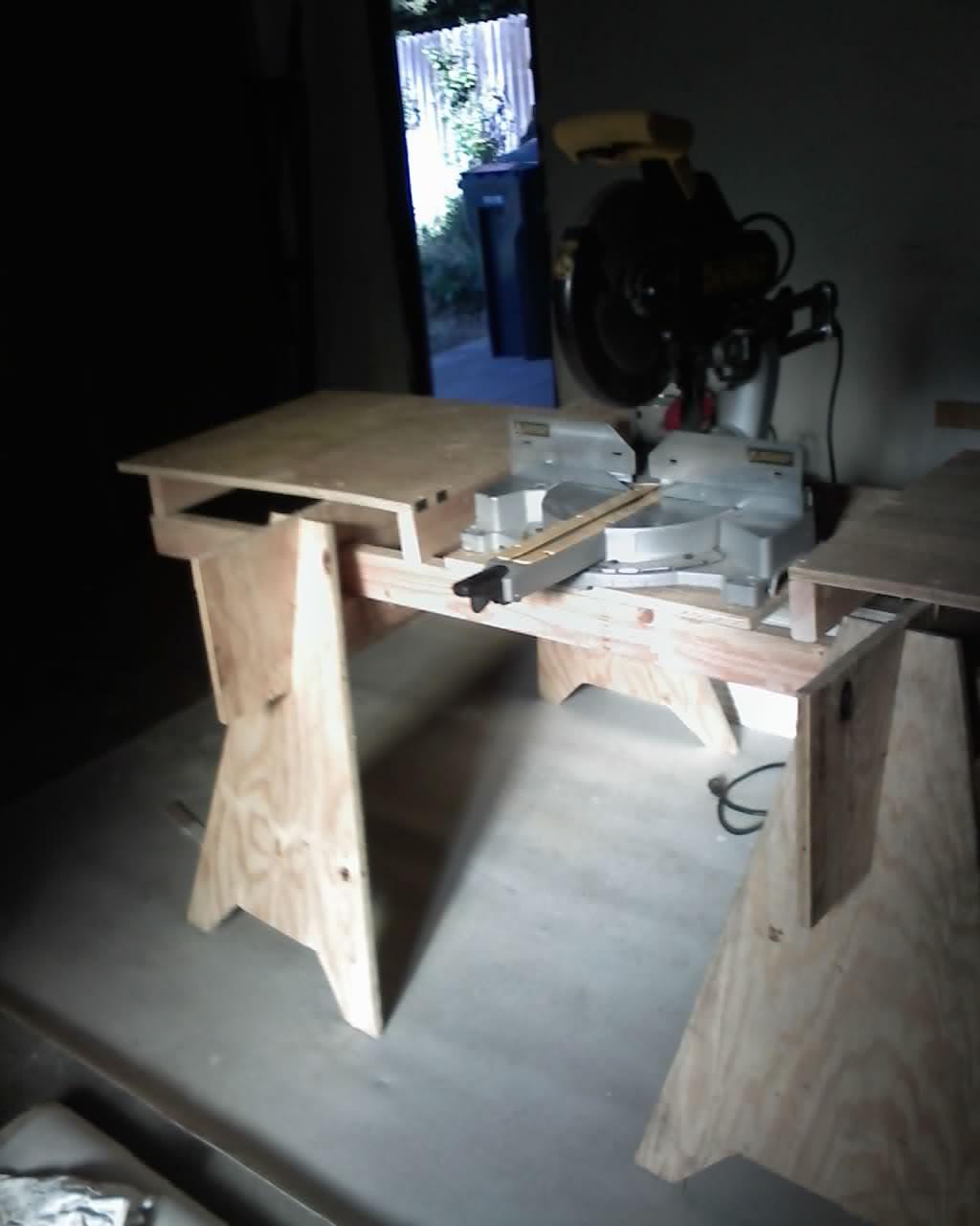 miter saw bench-09-21-09_1707.jpg