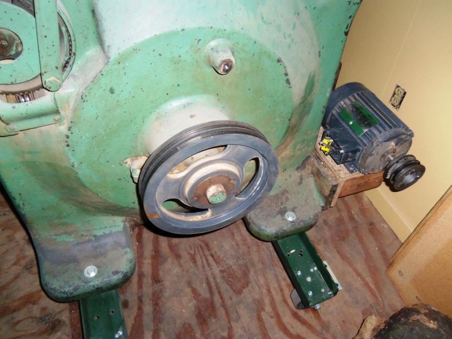 1927 Oliver 117-A Bandsaw Restoration.....-100_0925.jpg
