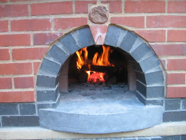 This Could Take a While.... (Yet another wood-fired oven thread...)-102012pizza4.jpg