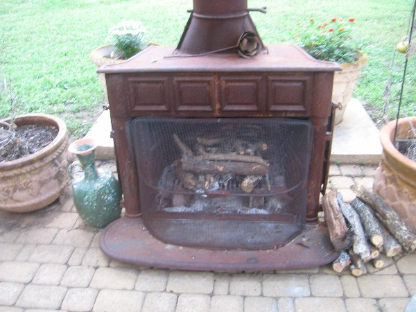 This Could Take a While.... (Yet another wood-fired oven thread...)-102012pizza8.jpg