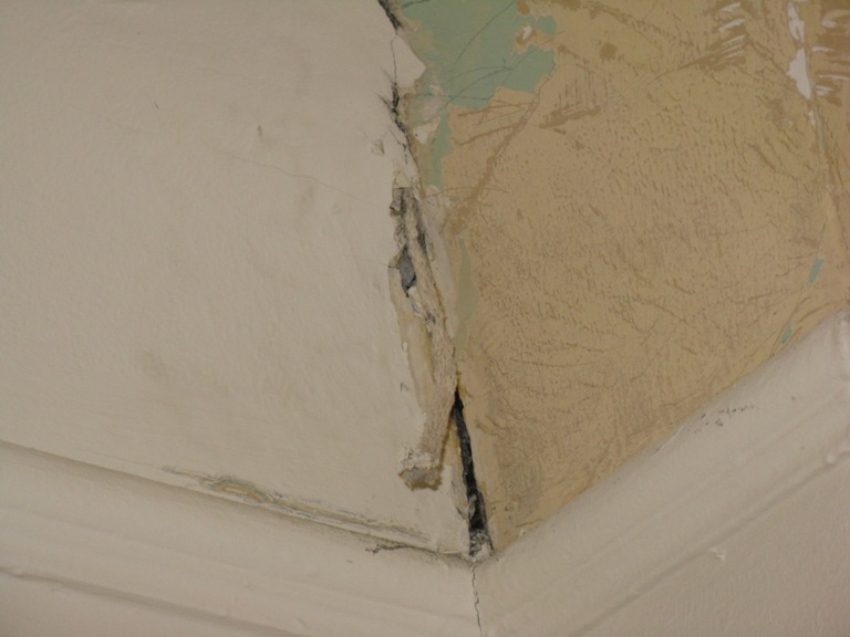 Caulk the Corners?-1422-somerset-bryant-house-gpp-016.jpg