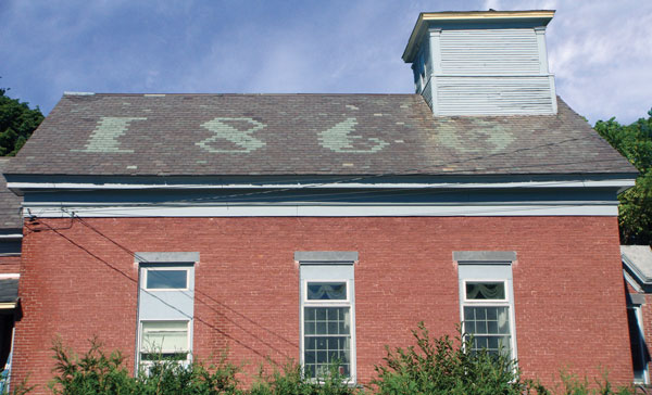 Vintage roof-1860_vermont-unfading-green-slate-date-vermont-purple-slate-background_roof.jpg