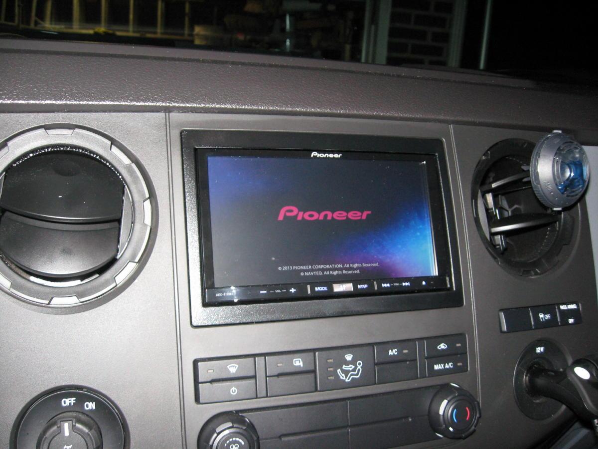 Motorized screens for stereos in work trucks?-2012-superduty-168a.jpg