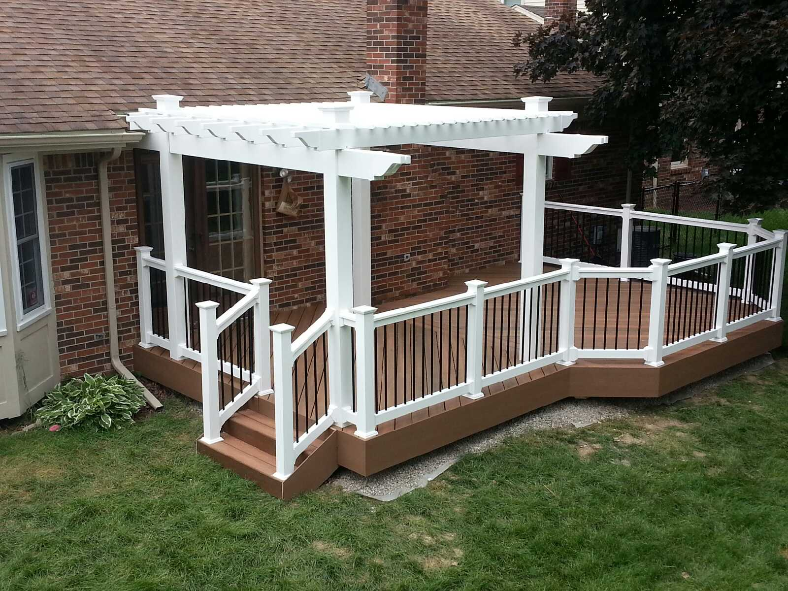 vinyl pergola fiberon horizons ipe decks fencing. Black Bedroom Furniture Sets. Home Design Ideas