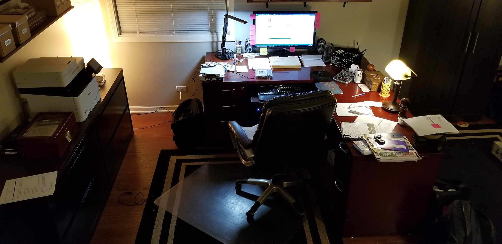 """Lets see your """"Command centers"""" fellow geeks!-2017-11-22-20.41.15.jpg"""