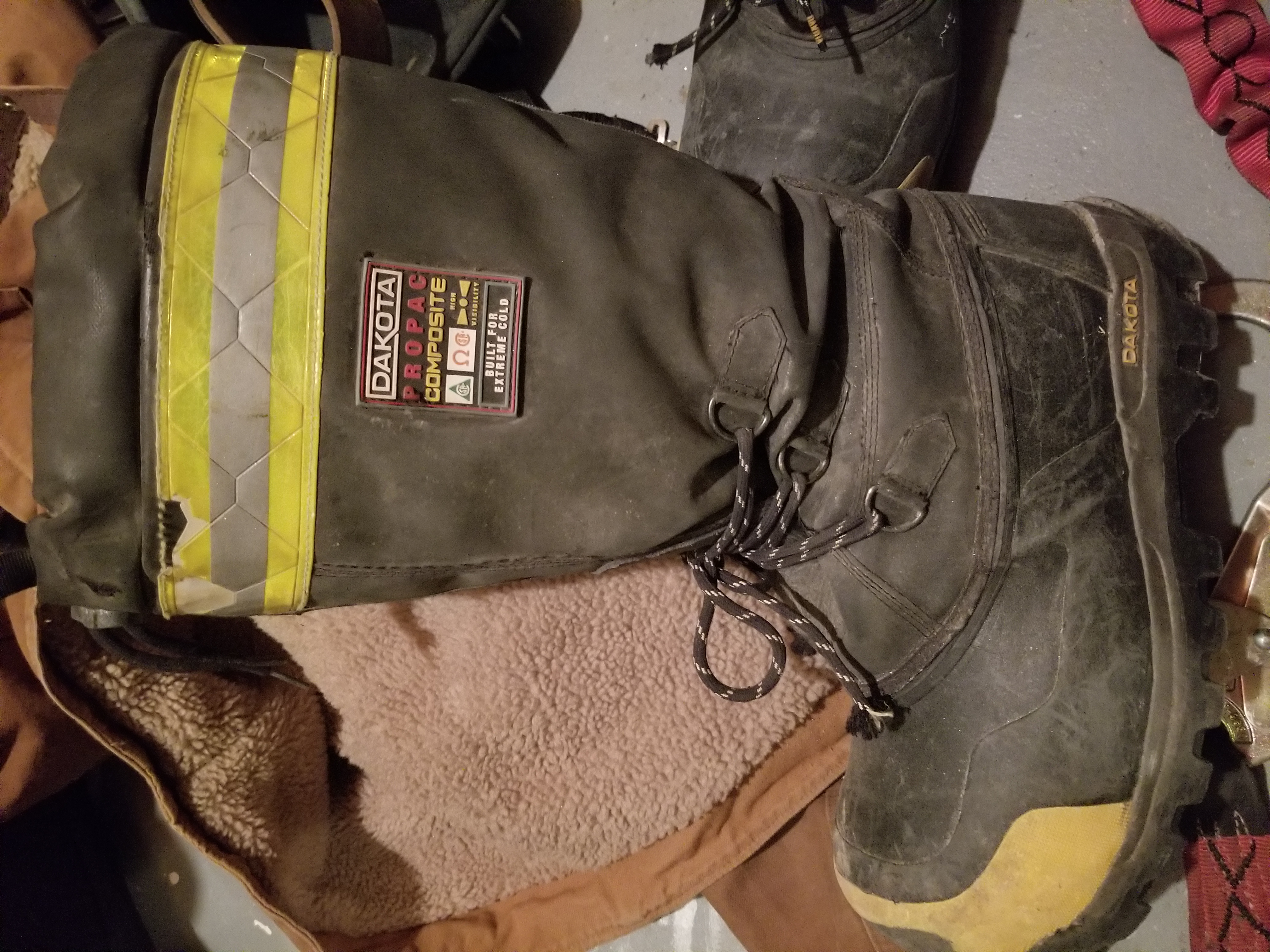What winter boots you use when work outside?-20171028_230628.jpg
