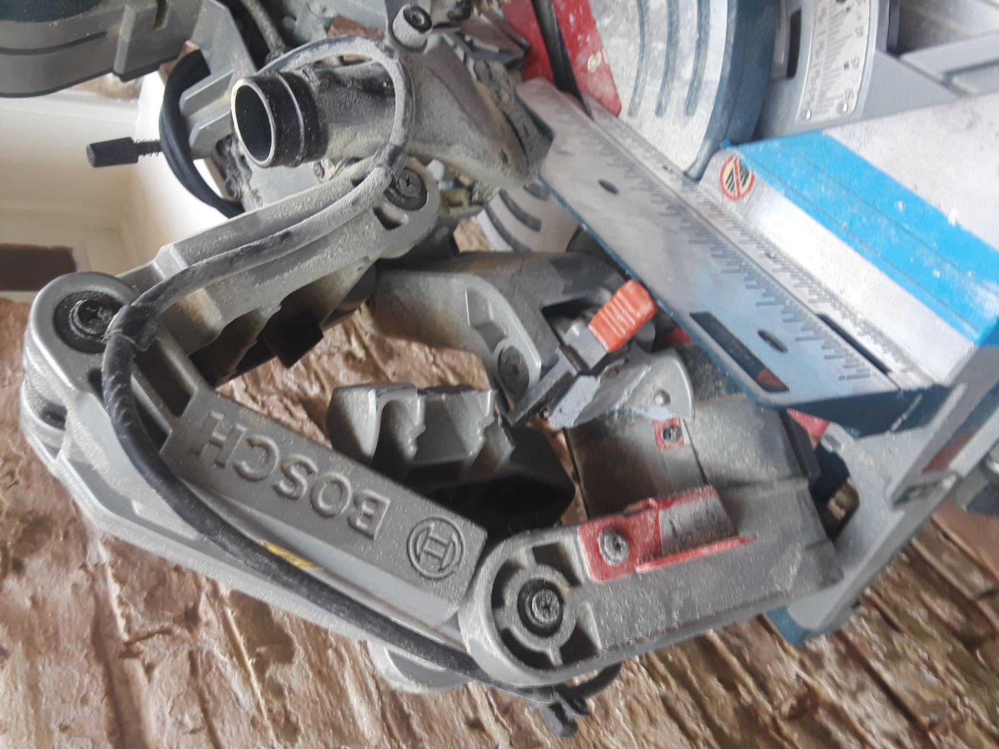 Broke my Bosch Axial glide miter saw-20180810_113634_1533953264340.jpg