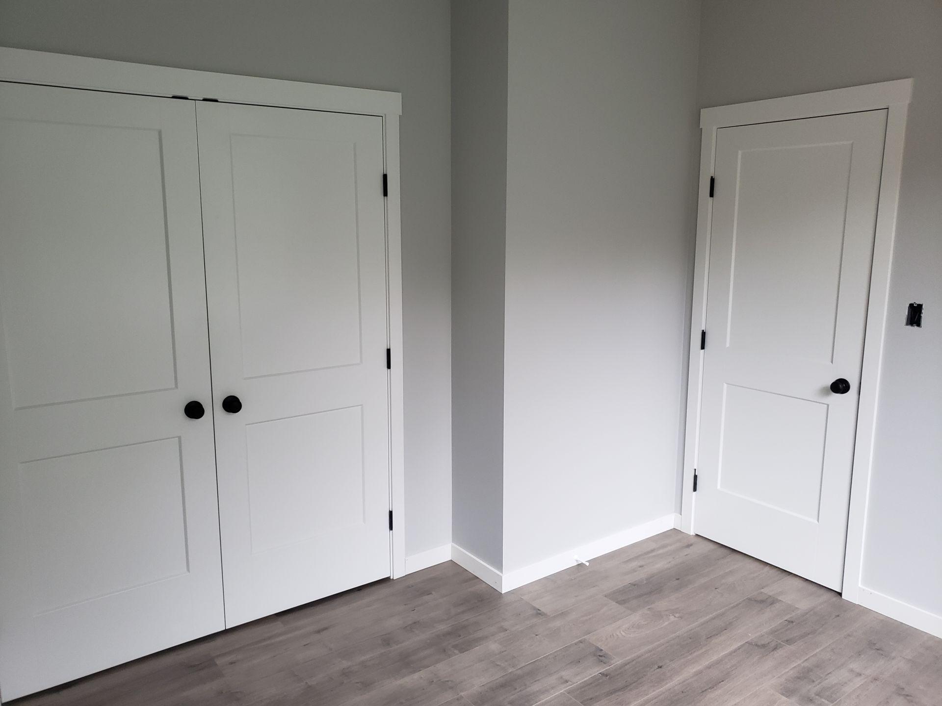 Cutting trim inside finished house-20180930_154219-01.jpeg