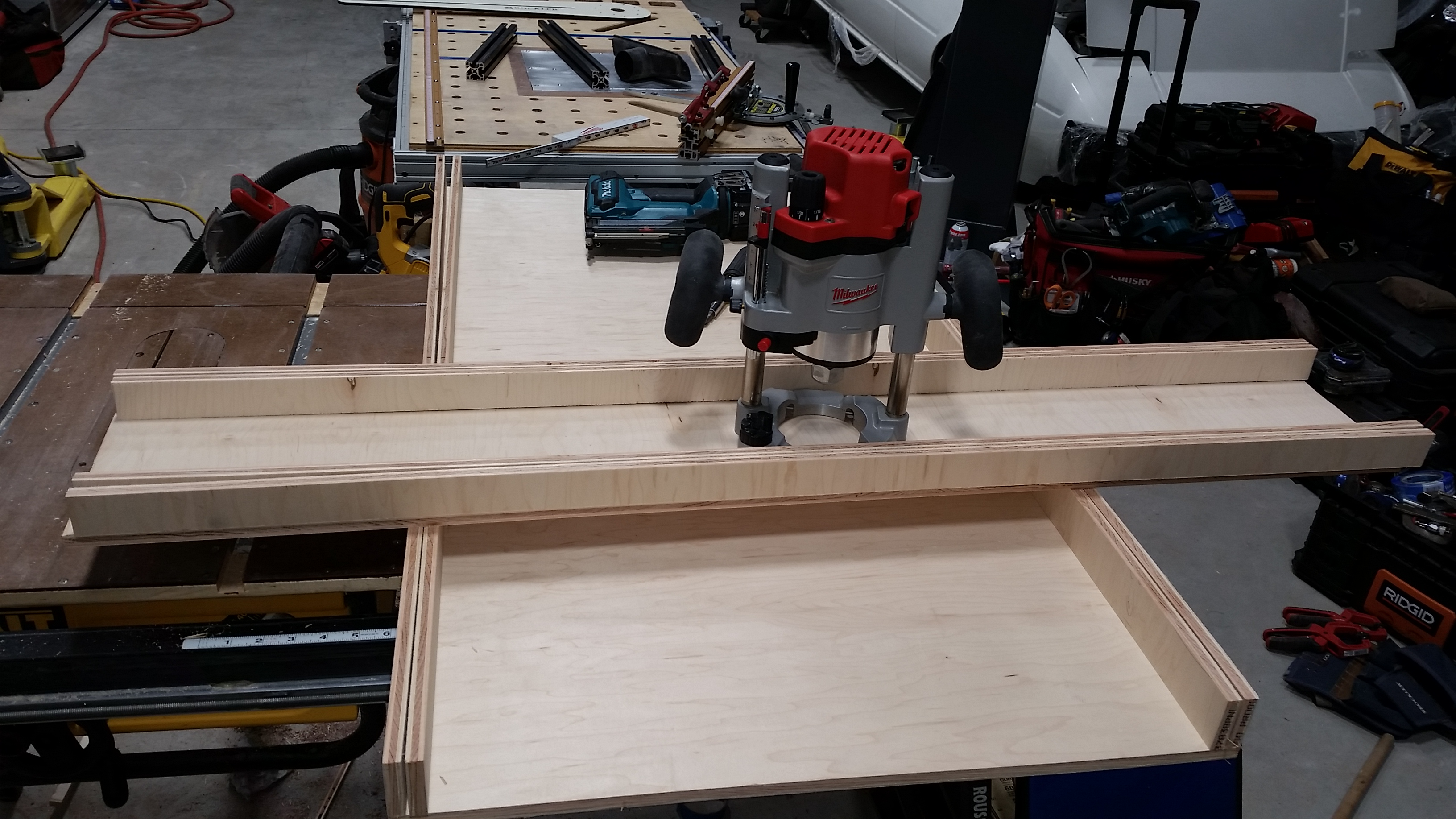 Made a router flattening sled to flatten Christmas presents-20181215_171146.jpg