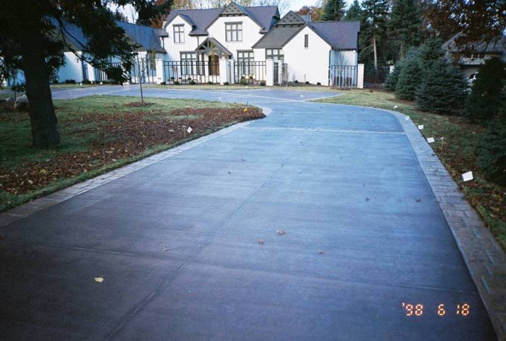 Stamped Concrete Drive-743986-r1-038-17a.jpg