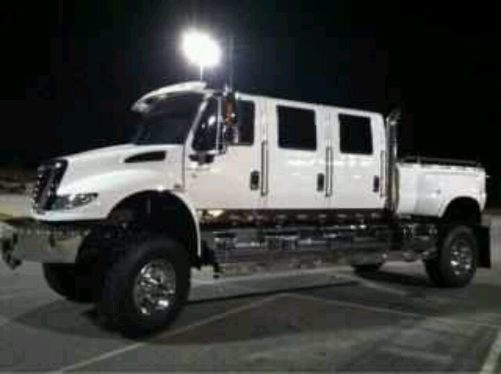 Hows this for a crew cab?-77874c88ef5b9c6b0dfc2bc20a985bc0-cars-trucks-big-trucks.jpg