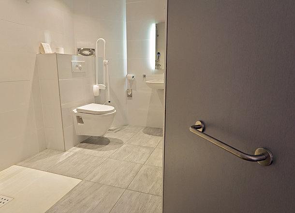Top 5 Features for an Accessible Bathroom