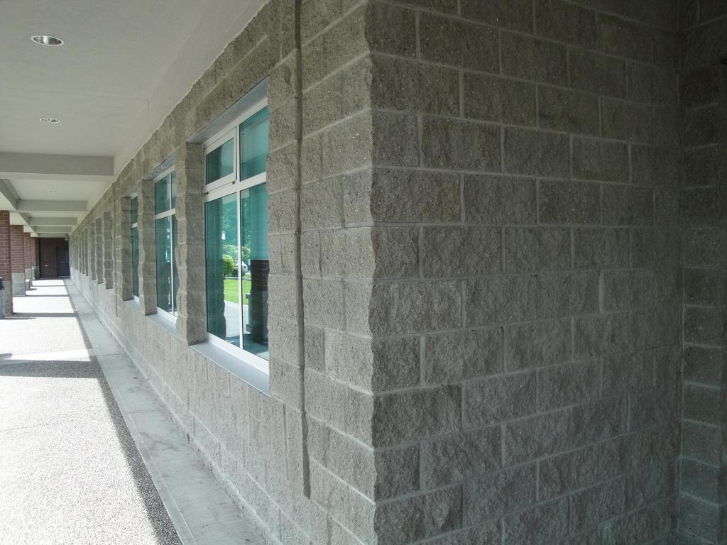 Split face block installation masonry contractor talk for Split face block house