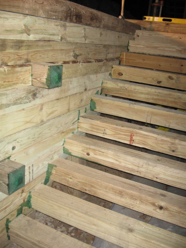 Logcabin-Corner 6x6 Timber Stairs-basement-timber-stairs.jpg