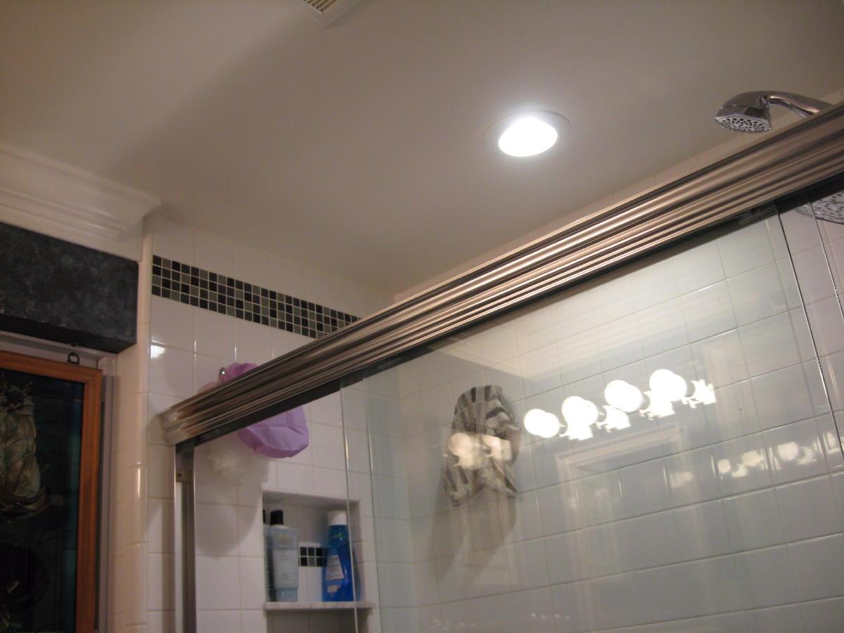 Led Bathroom Vanity Light Fixtures: Flashing LED Vanity Lights