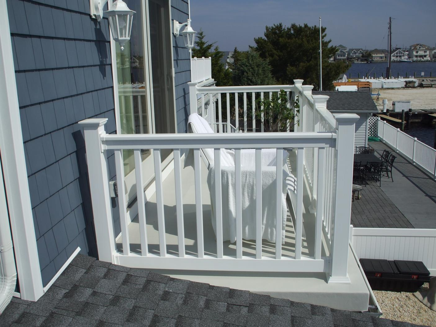 Top glass balcony railing images for pinterest tattoos for Glass balcony railing