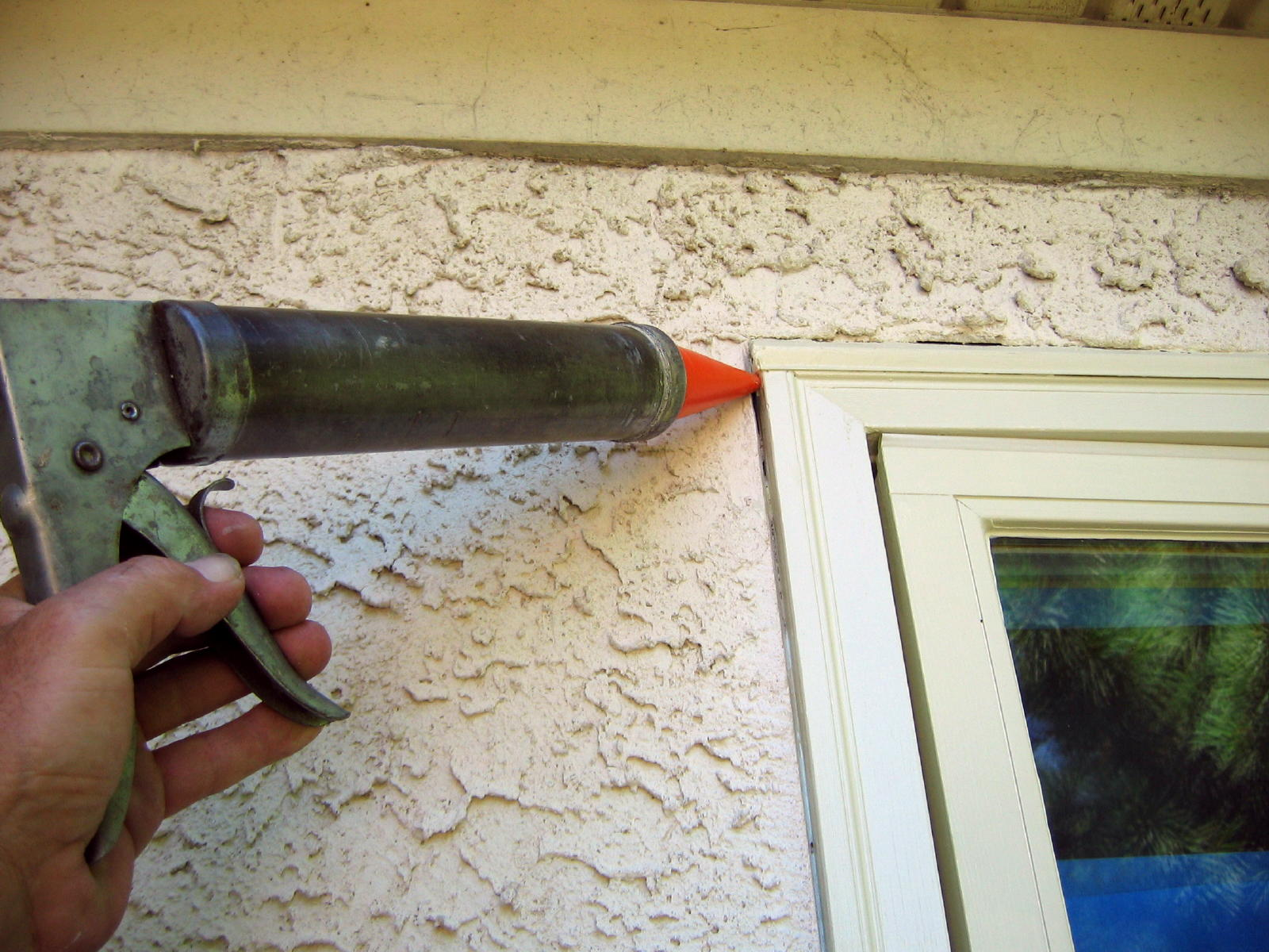 battery powered caulking gun...should I?-buongiorno-159a.jpg