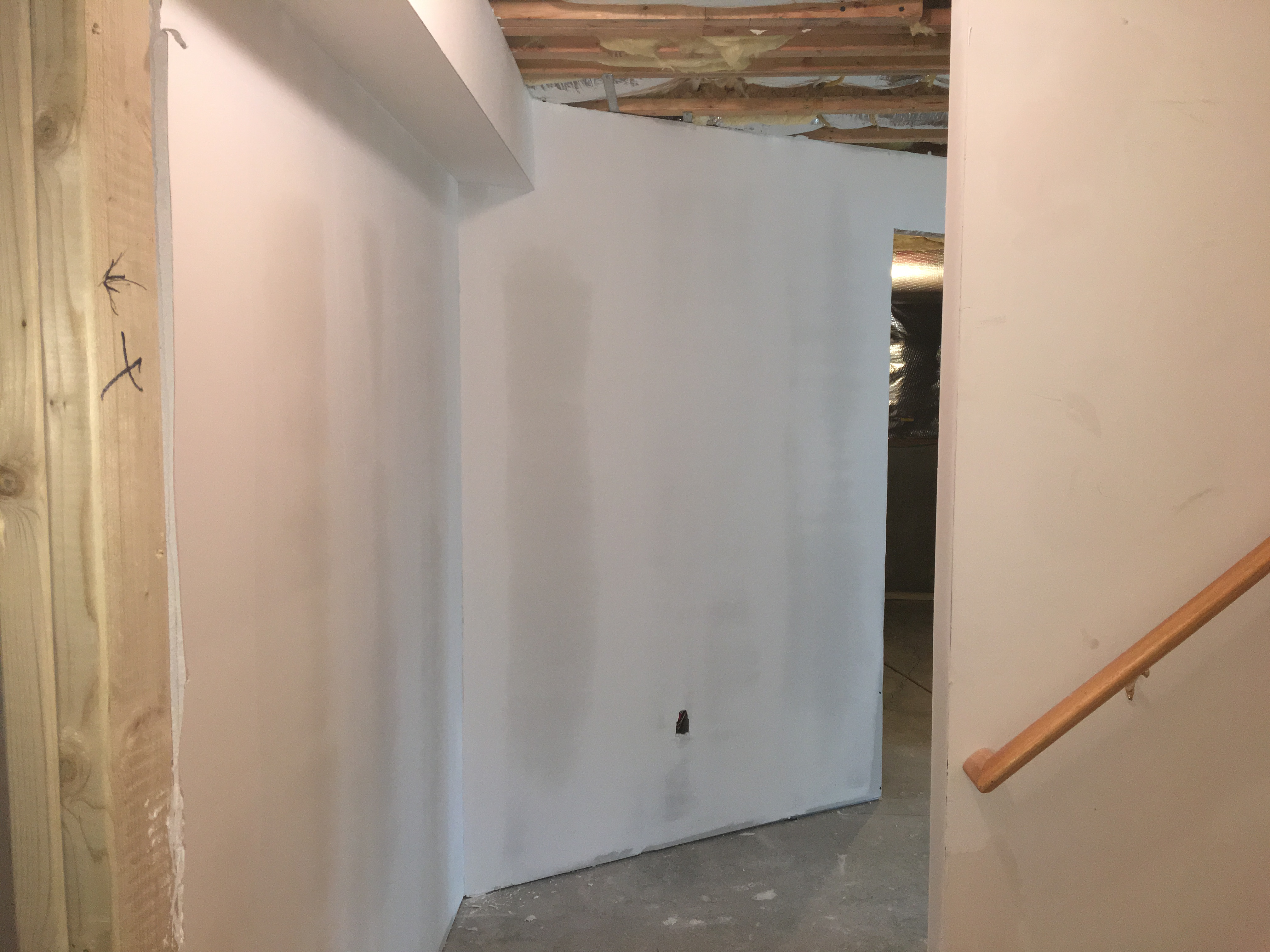 Finish basement skim coat level five-c38e3619-568d-4bd4-a8a2-6e7eb9d12720.jpeg