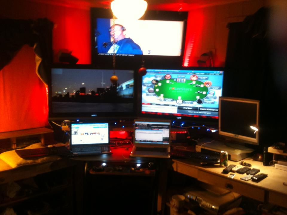 "Lets see your ""Command centers"" fellow geeks!-comproom1.jpg"