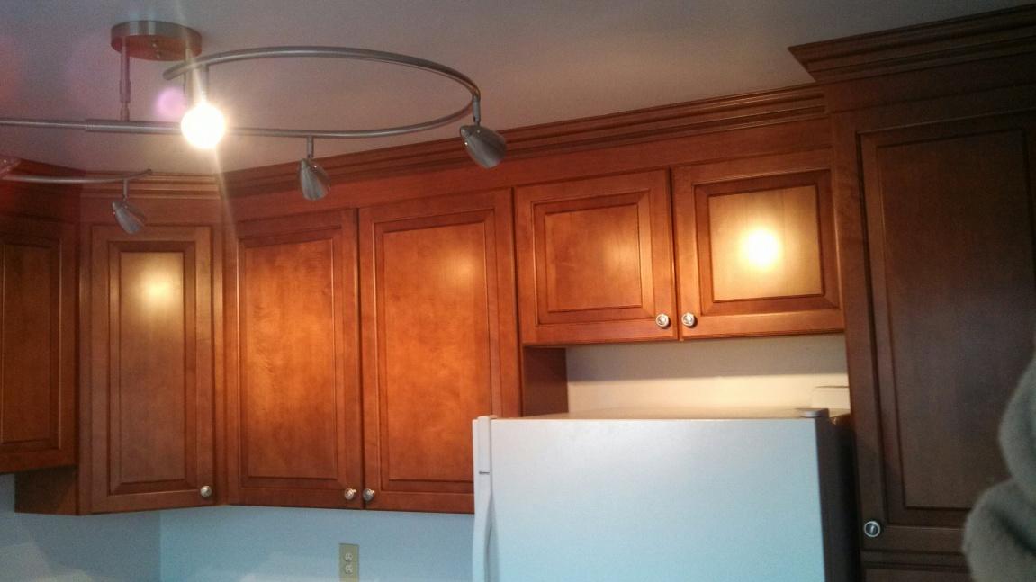 Kitchen cabinets - crown install w/ uneven toprail-crownfiller2.jpg