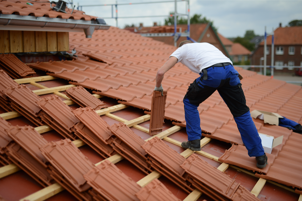 The Quick-and-Easy Guide to Roofing Company Insurance-ct-article-70-shutterstock_1248127012.jpg