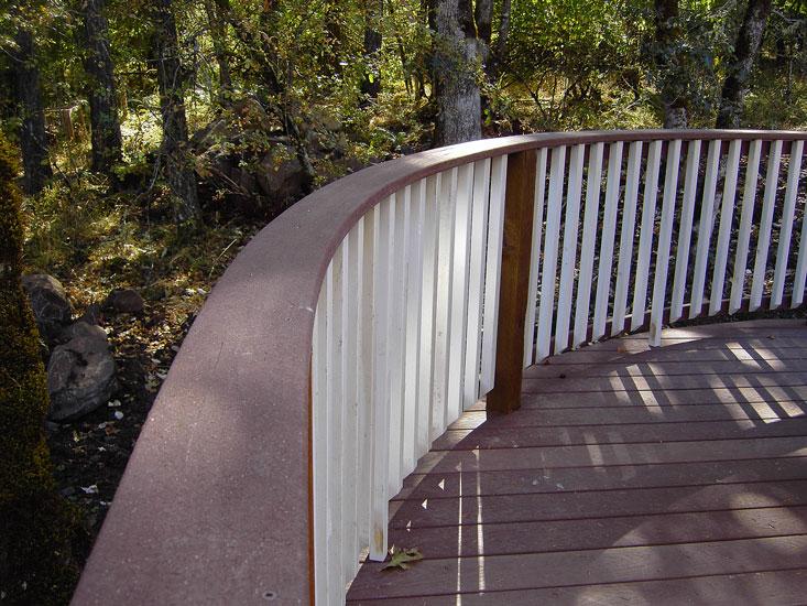 Bending composite decking-curved_caprail-01.jpg