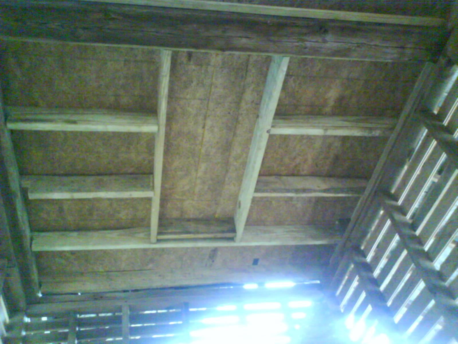 How to close in a Corn Crib to be a guest cottage-dsc00153.jpg