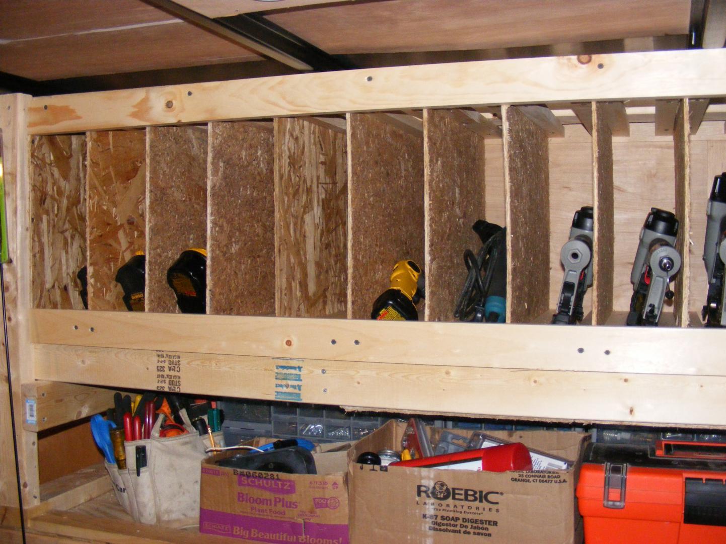 storing cordless tool sets-dscf3195.jpg