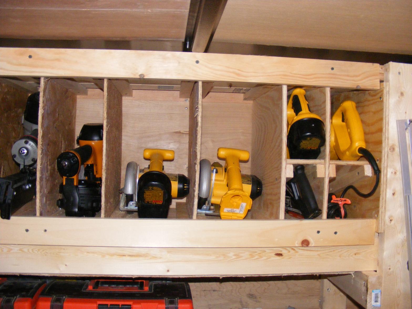 storing cordless tool sets-dscf3196.jpg