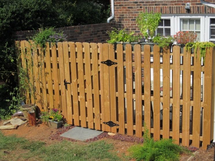 Picket spacing decks fencing contractor talk