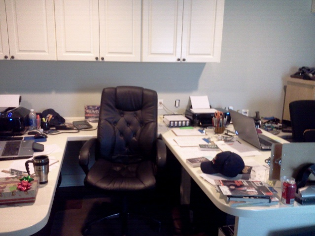 "Lets see your ""Command centers"" fellow geeks!-forumrunner_20130212_120941.jpg"