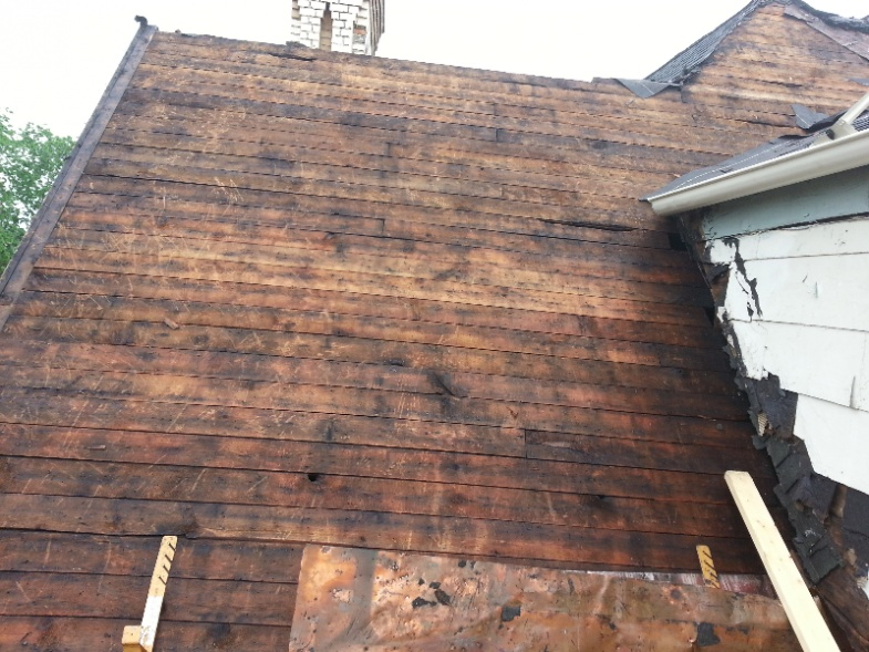 oh boy, historic house roof....should be a nightmare-forumrunner_20130522_112715.jpg