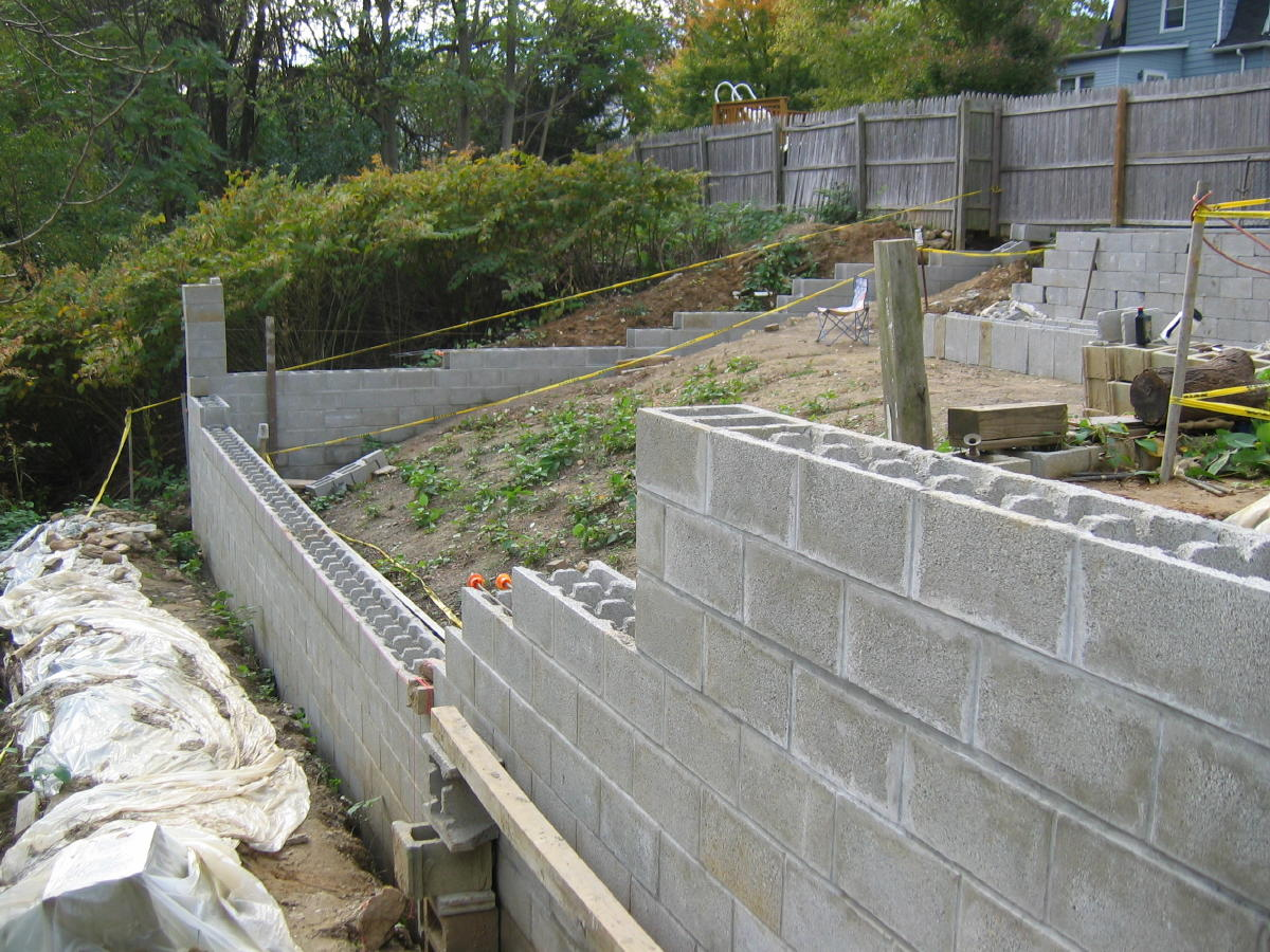 Block Wall Design this retaining wall is actually built with concrete blocks Block Wall Design Question Garys Wall 007ajpg