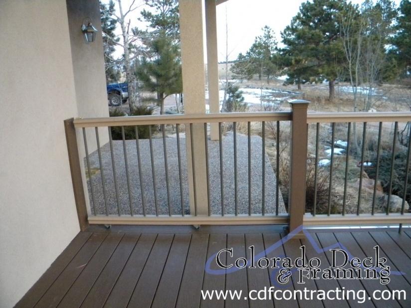 how to build a composite deck gate