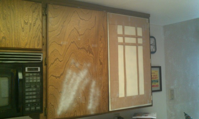 Latex for kitchen cabinets painting finish work for Best paint for kitchen cabinets oil or latex