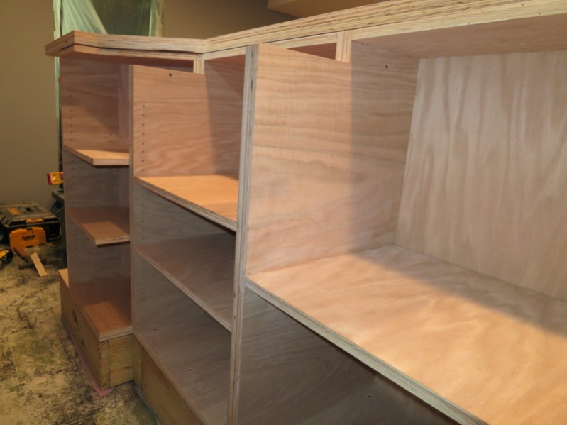 Custom bar build finish carpentry contractor talk for Contractors needed to build a house
