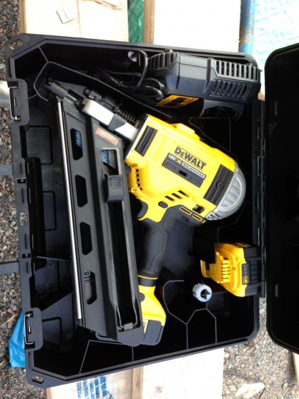 Cordless Nailgun From DeWalt - Tools & Equipment - Contractor Talk