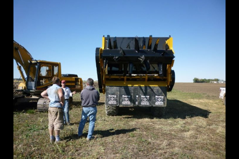Deere rock truck with spreader box-image-375684966.jpg