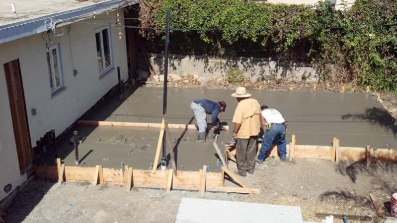 How do you know when concrete was too hot to pour for Deck gets too hot