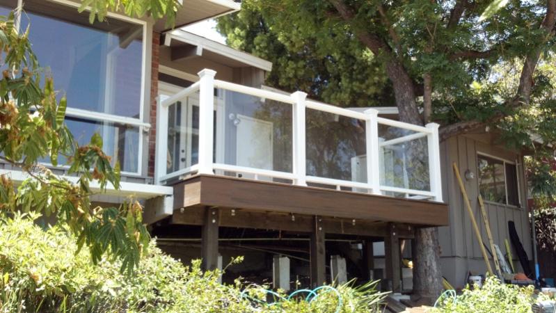 Code for glass panel railing-image-682984844.jpg