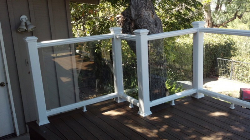 Code for glass panel railing-image-689795897.jpg