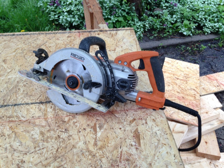 Wormdrive saw: DeWalt DWS535 vs. Skil MAG77LT vs. Makita 5377MG-image-693137949.jpg