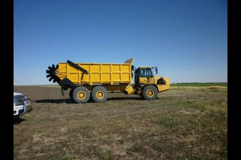 Deere rock truck with spreader box-image-930027535.jpg
