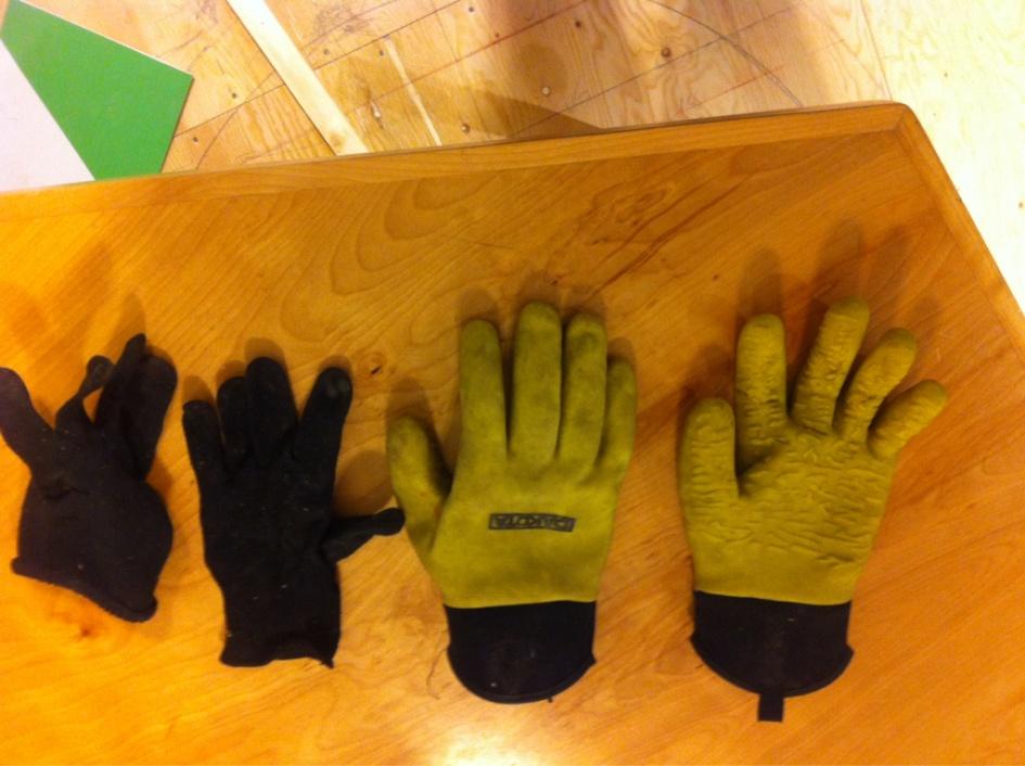Gloves-imageuploadedbycontractortalk1417963983.891262.jpg