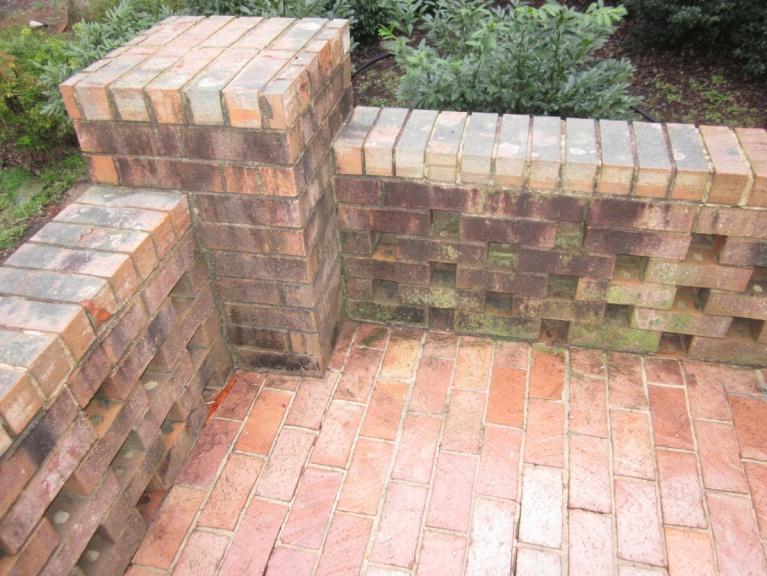 Cleaning Up this Brick - Pressure Washing ?-img_0029-001.jpg