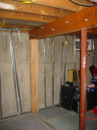 Steel support columns for basement pictures to pin on for Where to buy columns for house